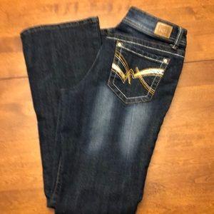 Lei Blue Jeans